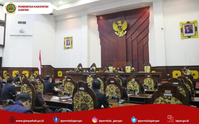 4 Fraksi DPRD Gianyar Sampaikan Pandangan Umum Terkait RAPBD 2022