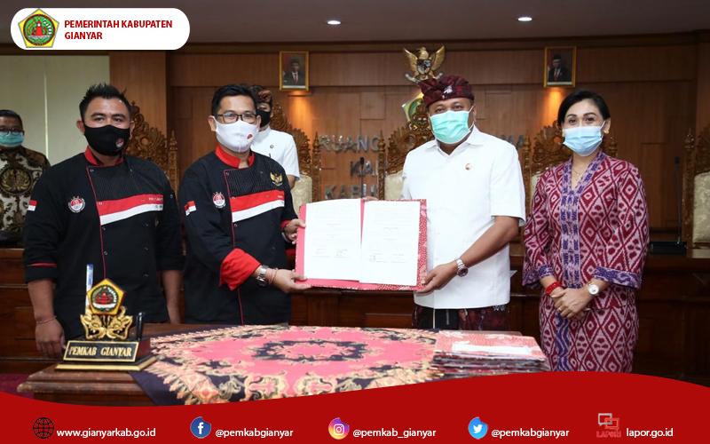 Kembangkan Wisata Kuliner, Bupati Mahayastra Tandatangani MoU dengan PT.Aerofood Indonesia dan ICA BPD Bali